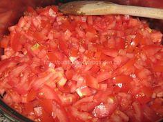 - rajčata pokrájíme na menší asi půlcentimentrové kostičky Petra, Salsa, Mexican, Ethnic Recipes, Food, Essen, Salsa Music, Meals, Yemek