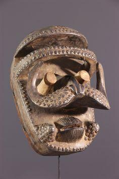 Masque Bété - Masque-Africain - Art africain #ArtAfricain #Masques #Bété Tribal African, African Art, Art Tribal, Art Premier, Statues, African Masks, Conceptual Art, Ivoire, Puppets