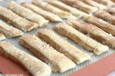 Apple Pie Fries -Super fun spin on a traditional apple pie. Dip them in caramel or even whipped cream for extra yumminess. Pie Recipes, Sweet Recipes, Dessert Recipes, Drink Recipes, Fried Apple Pies, Cake Batter Cookies, Caramel Dip, Apple Dumplings, Fall Desserts