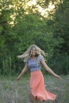 Christine Gosch | Texas Senior Portraits in a field