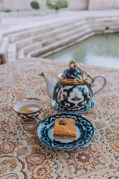 Interested in visiting Uzbekistan? Check out our detailed itinerary and guide to make the most of your trip to Uzbekistan! Chicken Shashlik, Alexander The Great, Islamic Architecture, Silk Road, Central Asia, Canning, Tableware, Travel, Islamic Designs