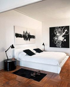 When it comes to enhancing your bedroom experience, there are two major arts involved; bedroom interior design and interior decoration Furniture Layout, Bedroom Furniture, Bedroom Decor, Decor Room, Bedroom Lighting, Furniture Makeover, Bedroom Ideas, Interior Design Programs, Modern Interior Design