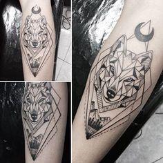 Ideas Of Cool Geometric Tattos Wolf Tattoos, Wolf Tattoo Forearm, Animal Tattoos, Tatoos, Geometric Wolf Tattoo, Geometric Tattoo Design, Geometric Designs, Trendy Tattoos, Tattoos For Guys