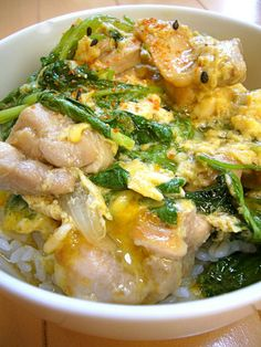 Quick and Easy! Oyako Don with Chicken, Onion, and Creamy Egg (Chicken and Egg rice bowl)