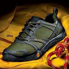 Merrell Men's Terrain Gore-Tex: Trail-Worthy Traction with Lightweight Comfort!