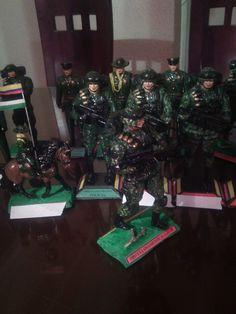 Figuras policiales 3152405093 Christmas Tree, Holiday Decor, Home Decor, June, Military, Teal Christmas Tree, Decoration Home, Room Decor, Xmas Trees