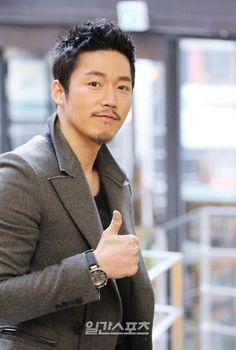 Jang Hyuk~の贈り物 Asian Actors, Korean Actors, Deep Rooted Tree, Fated To Love You, I Love Him, My Love, Jang Hyuk, New Boyfriend, My Destiny