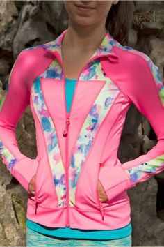 Perfect Your Practice Jacket is made with breathable, four–way stretch Luon® fabric, perfect for any sweaty activity.