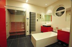 Bathroom with steam sauna by SOLEUM GmbH