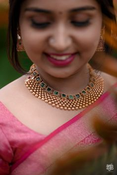 Kerala Jewellery, South Indian Bridal Jewellery, Indian Wedding Jewelry, Bridal Jewelry Sets, Indian Weddings, Gold Earrings Designs, Gold Jewellery Design, Necklace Designs