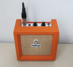 Orange Micro Crush PiX - Battery powered compact guitar amp with 3 watt 4 inch speaker and wood cabinet