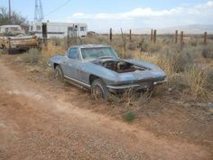 Corvette Images is the Ultimate Corvette Photos Picture Gallery with over Corvette Photos including interiors, engines and wheels. Old Corvette, Chevrolet Corvette, Chevrolet Stingray, Stingray Corvette, Corvette Summer, Abandoned Cars, Abandoned Places, Junkyard Cars, Rust In Peace