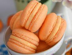 Macarons cu ciocolata reteta simpla cu bezea frantuzeasca - simonacallas Macarons, Hot Dog Buns, Oreo, Food And Drink, Desserts, Tailgate Desserts, Deserts, Macaroons, Postres