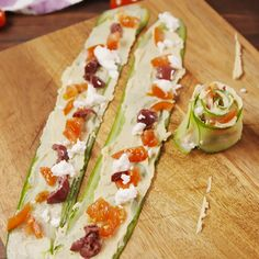 Sushi Recipes, Vegetarian Recipes, Cooking Recipes, Healthy Recipes, Homemade Sushi, Food Garnishes, Vegan Appetizers, Kalamata Olives, Greek Recipes