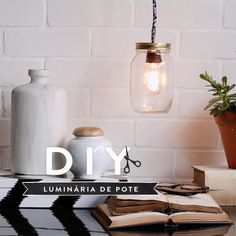 Great Pics DIY Westwing: Luminária de pote Strategies The IKEA Kallax collection Storage furniture is a vital section of any home. They offer order and Diy Para A Casa, Diy Casa, Home Decor Hacks, Diy Home Decor, Diy Bottle Lamp, Mason Jar Lighting, Mason Jar Chandelier, Mason Jar Lamp, Jar Lights