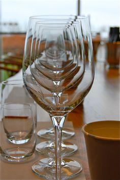 Wine Humor: Mesmerizing wine glasses...cool, and Cheers, cheers, cheers, cheers!