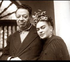 Frida Kahlo and Diego Rivera~Image from the personal collection of Rosa Covarrubias. Diego Rivera Frida Kahlo, Frida And Diego, Frida Kahlo Tattoos, Nickolas Muray, Kahlo Paintings, Frida Art, Mexican Artists, Portraits, Women In History