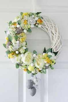 By Éphémeride seasonal calender Wreath Crafts, Diy Wreath, Grapevine Wreath, Easter Flower Arrangements, Floral Arrangements, Easter Wreaths, Holiday Wreaths, Summer Wreath, Easter Crafts