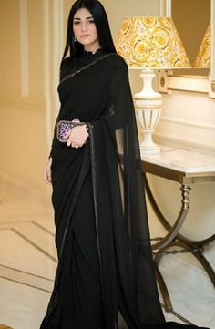 Pakistani Fashion Party Wear, Pakistani Dresses Casual, Pakistani Wedding Outfits, Pakistani Dress Design, Bollywood Fashion, Trendy Sarees, Stylish Sarees, Stylish Dresses, Stylish Dress Book