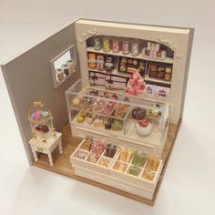 Miniature shop cake