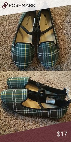 Girls flats New with tags!! Size 11 Old Navy Shoes