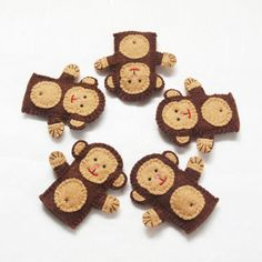 5 Little Monkeys felt finger puppets from etsy also tigers and pandas and more. Also pdf pattern for sale Felt Puppets, Felt Finger Puppets, Hand Puppets, Puppet Patterns, Felt Patterns, 5 Little Monkeys, Felt Bunny, Felt Quiet Books, Operation Christmas Child