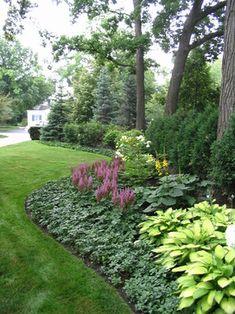 Traditional Front Yard Designer Landscape Design Ideas, Pictures, Remodel & Decor