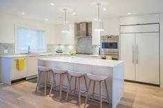Gorgeous kitchen renovation by Raincity Renovations | Via HomeStars