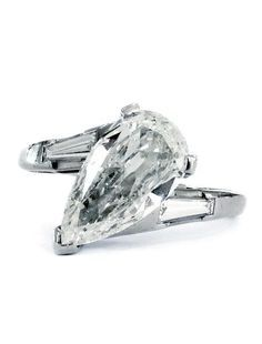 Tips for Buying Diamond Rings and Other Fine Diamond Jewelry Pear Shaped Diamond Ring, Pear Diamond Rings, Buy Diamond Ring, Pear Ring, Diamond Jewelry, Diamond Cuts, Real Gold Jewelry, Modern Jewelry, Custom Jewelry