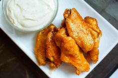 Hot wings are so easy to make at home! Do yourself a favor and save some money, too! Growing up I never ate hot wings. I know, how horrible was that? Low Carb Meal Plan, Low Carb Lunch, Low Carb Dinner Recipes, Low Carb Diet, Ketogenic Recipes, Low Carb Recipes, Ketogenic Diet, Lunch Recipes, Easy Recipes