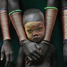 Ausdrucksvolles Gesicht - Ausdrucksvolles Gesicht La mejor imagen sobre diy surgical mask free pattern para tu gusto Estás b - Black Is Beautiful, Beautiful World, Beautiful People, African Tribes, African Art, Beautiful Children, Beautiful Babies, Foto Portrait, Arte Tribal