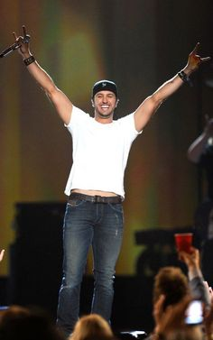 luke bryan!! see him and jason aldean in august!!