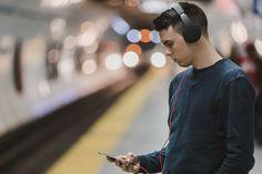 Musica: cosa ascoltano gli italiani? I dischi più venduti nel 2017 - Amazon ha svelato la classifica dei dischi più venduti nel 2017. - Read full story here: https://www.fashiontimes.it/2018/01/musica-cosa-ascoltano-italiani-dischi-piu-venduti/