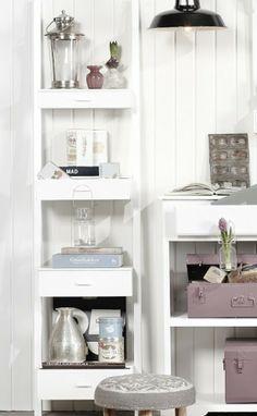 Het leukste badkamer meubel van Nederland. Je hebt met deze ladder alles lekker voor het grijpen, en in de laden kun je je kleine rommeltjes kwijt (make-up, haarspullen,...)