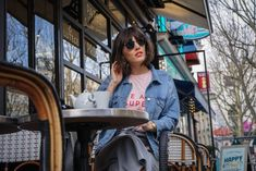 Blogueuse mode bordeaux - Veste denim et laçage