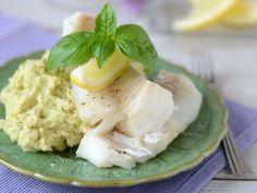 Torsk med blomkålspesto. Kalorisnålt för dig som går på 5:2. Monkey Business, Lchf, Foodies, Seafood, Paleo, Food And Drink, Healthy Eating, Vegetarian, Fish