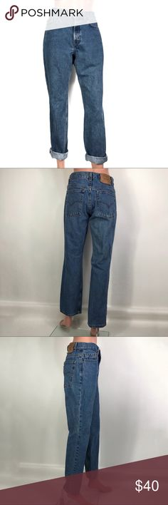 "Levi's Wo's Classic Straight Leg Jeans sz 8 In29"" Levi's Wo's Classic Straight Leg Jeans sz 8 In29""  In excellent condition  No damage or stains   Flat Measurements  Waist 14"" Hips 18.5"" Rise 10"" high rise Inseam 29"" Leg Opening 7.5  Made in USA  Item Number 53TTF400 Levi's Jeans Straight Leg"