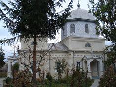 Manastirea de maici Vovidenia Romania, Chile, Mansions, House Styles, Home Decor, Mansion Houses, Homemade Home Decor, Manor Houses, Chilis