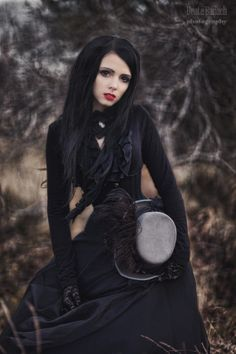 Three Gothic Fashion Tips That You Should Use – Angels and Demons Goth Beauty, Dark Beauty, Gothic Fashion, Love Fashion, Style Fashion, Gothic Mode, Dark Gothic, Gothic Art, Victorian Gothic