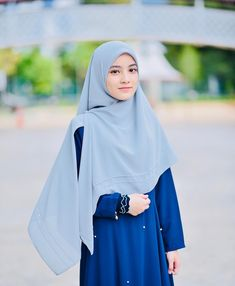 undefined Casual Hijab Outfit, Hijab Chic, Casual Outfits, Blackpink Fashion, Muslim Fashion, Fashion Outfits, Hijabi Girl, Girl Hijab, Muslimah Clothing