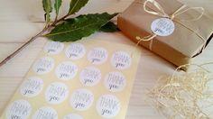 20 adesivi tondi bianchi THANK YOU di pearlstopigeons su Etsy #stickers #pearlstopigeons #adesivi #confettata #lettere #battesimo #matrimonio