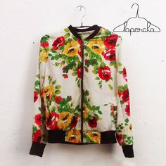Nueva chaqueta de rosas de WISH. en Lapercha. Cll 70 No 10A-25, de 11am a 8pm. Lunes a Sábado