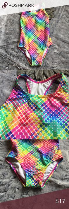 Kids speedo swimsuit Great swimsuit for a little girl. In great condition, used once. Speedo Swim One Piece