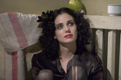 Mia Kirshner as The Black Dahlia Mia Kirshner, The Black Dahlia 2006, Dahlia Noir, Murder Stories, Jennifer Beals, James Gunn, American Gods, Aesthetic Beauty, Celebs
