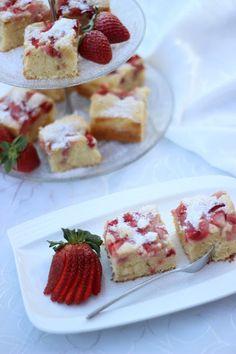 Erdbeerliebhaber aufgepasst, hier gibt es heute ein kinderleichtes Rezept. Ich habe mein einfaches Rührkuchenrezept mit Erdbeeren aufgepe...