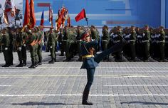 Линейный солдат в момент начала парада на Красной площади-Linear soldier at the start of the parade on the Red Square