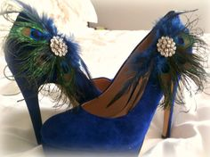 Etsy の Shoe Clips Peacock & Navy Fan. Bride Bridal by sofisticata