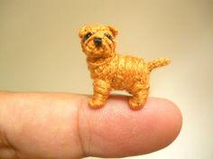 Shar Pei rojo leonado Crochet pequeña miniatura perro por SuAmi