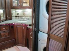 "2009 Used American Coach HERITAGE 45BT BATH & 1/2 600HP BELOW DLR WHOLESALE NADA Class A in California CA.Recreational Vehicle, rv, PRISTINE! REDUCED BELOW DEALER WHOLESALE NADA!! HURRY!! OWN THE COACH OF EVERYONES DREAMS! NO WHERE TO GO FROM HERE! PRISTINE 2009 AMERICAN COACH ""HERITAGE\"" 45BT BATH & A 1/2 DIESEL PUSHER MOTORHOME BUILT FROM THE GROUND UP ON A SPARTAN LIBERTY K3 CHASSIS WITH TAG FOR A SUPERIOR RIDE AND DRIVE WITH FULL AIR RIDE SUSPENSION & BRAKES PAIRED WITH THE ALLISON…"