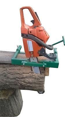 Chainsaw-mill-planking-lumber-boards-milling-vertical-cut-chain-bar